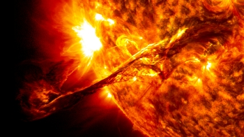 Sol with a focus on a solar eruption (flare).