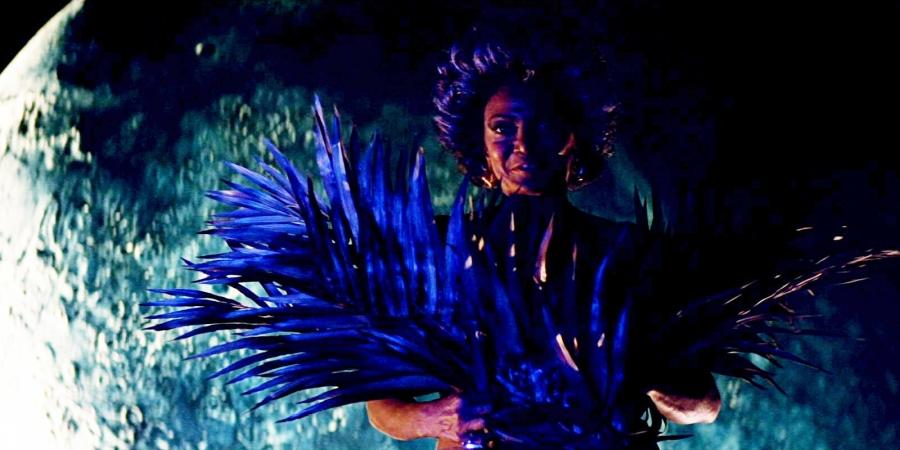 uhura-fan-dance