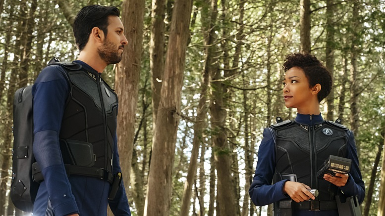 Ash Tyler and Michael Burnham on Pahvo